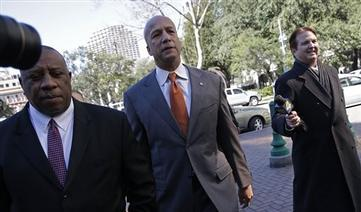 Nagin Takes Stand, Battles Prosecution Lawyer