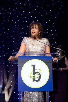 Stephanie Hill Named 2014 Black Engineer of the Year at STEM Conference