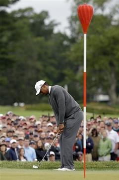 U.S. Open: Woods Creeps into Contention