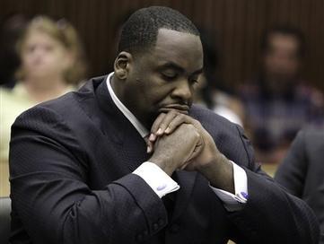 Jury Convicts Ex-Detroit Mayor of Corruption