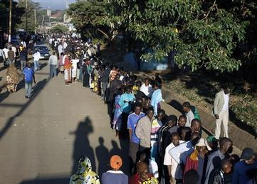 Kenyans Turn Out in Droves for Presidential Election