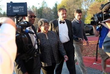 Ex-Atlanta Schools Superintendent Surrenders