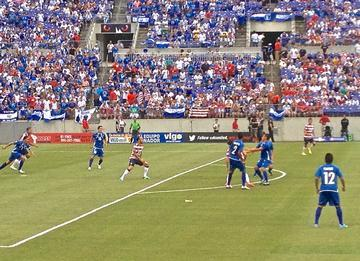 U.S. Claims Spot in Gold Cup Semifinals, Routs Scrappy El Salvador in Baltimore Matchup, 5-1