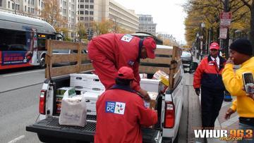 WHUR Feeds Thousands for Thanksgiving