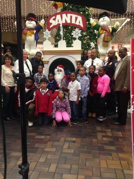 Glenarden Police Department Shares Holiday Spirit to Fifteen Children