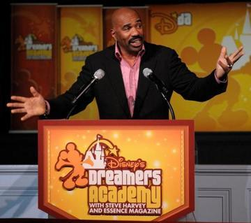 Steve Harvey Hosts 2013 Neighborhood Awards