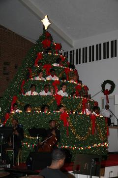 Pennsylvania Avenue Baptist Church Rings in Holiday Season with 'Living' Christmas Tree