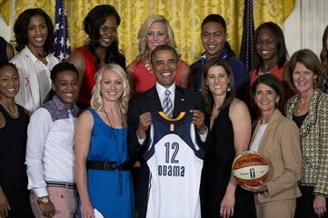 Obama Honors First Time WNBA Champ Indiana Fever