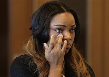 Girlfriend of ex-Patriot Hernandez Due in Court