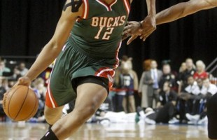 NBA Rookie Jabari Parker Out for Season with Torn ACL