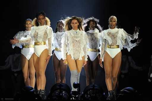 Beyoncé Slays at Tour Opening, Offers No Insight into Album