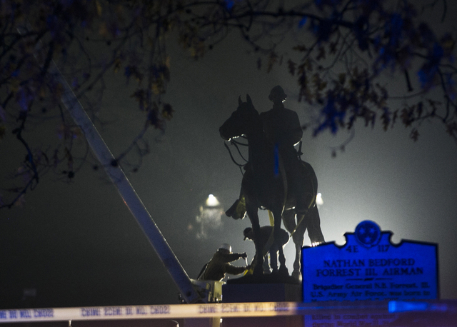 Memphis citizens cheer overnight removal of two Confederate statues